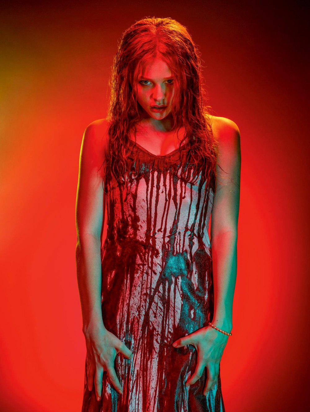 carrie-tv-spot-and-4-new-photos-2.jpg