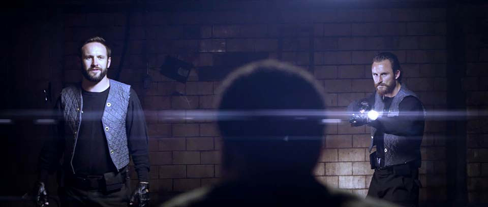cool-sci-fi-action-short-the-signal-7.jpg