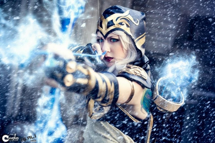 Missyeru    is Ashe | Photo by:    Silenceral