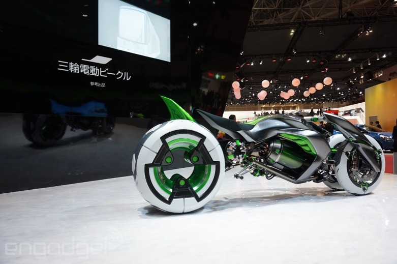 112013-kawasaki-j-electric-three-wheeler-concept-08-583x3897.jpg