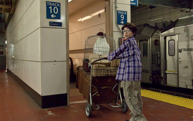movies-in-real-life-harry-potter-in-penn-station.jpg