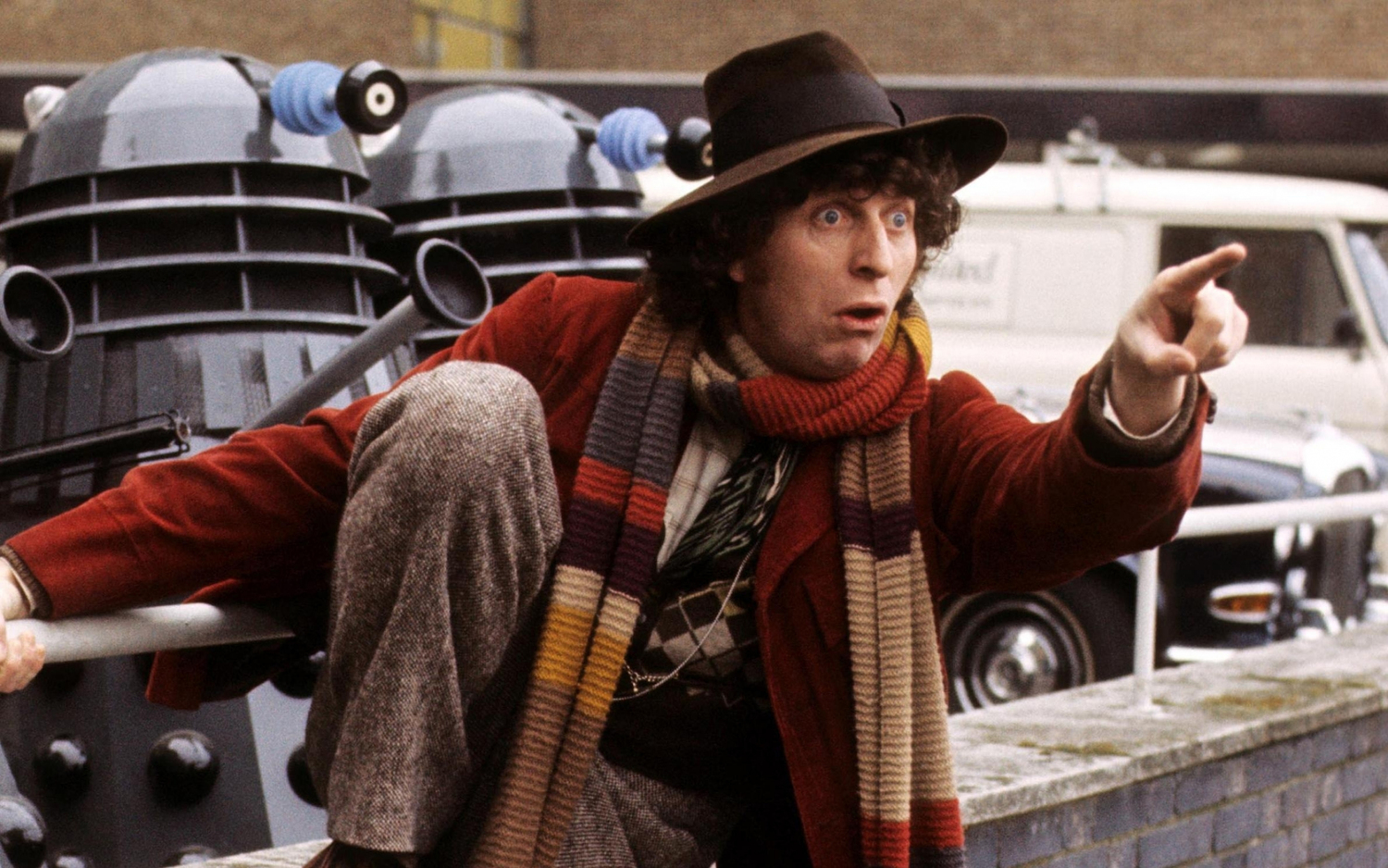 watch tom baker s entertaining first doctor who interview geektyrant watch tom bakers entertaining first doctor who interview