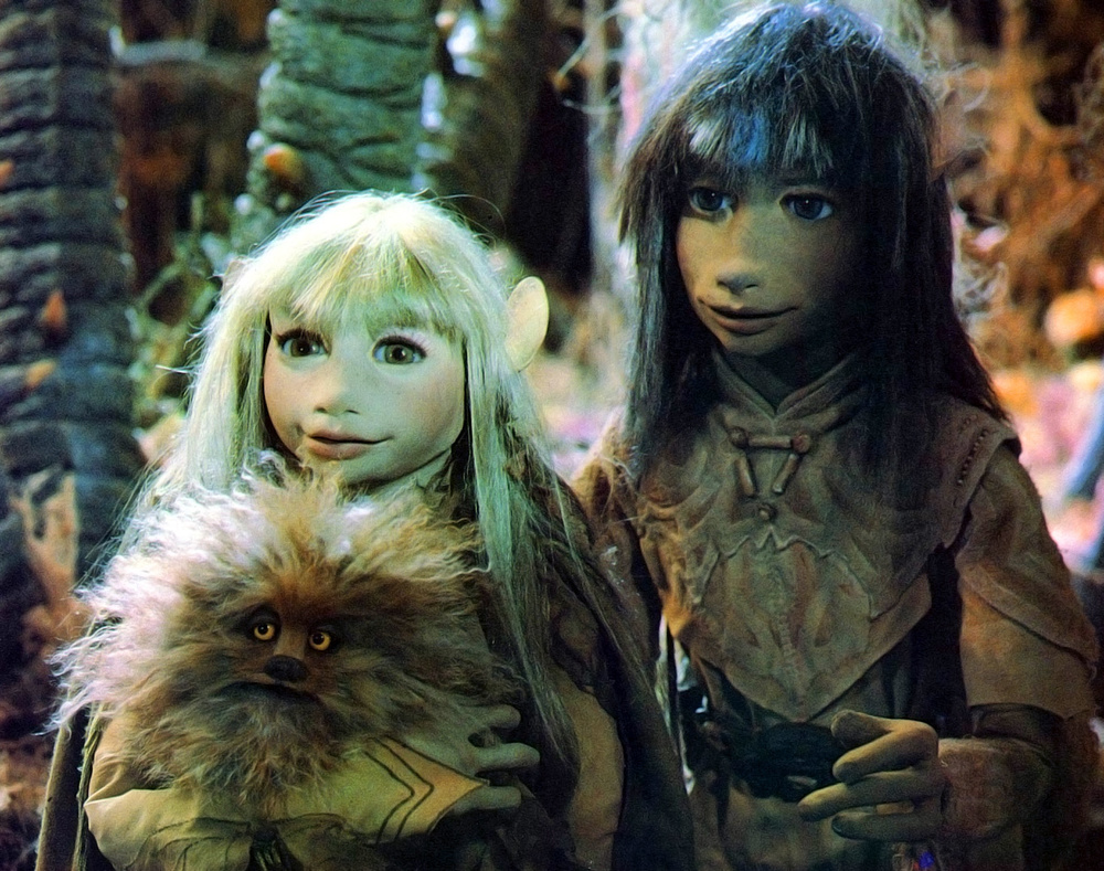 watch-the-creepier-version-of-the-dark-crystal-jim-henson-wanted-you-to-see.jpg