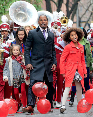 First Look at Jamie Foxx, Quvenzhané Wallis, and Cameron ...