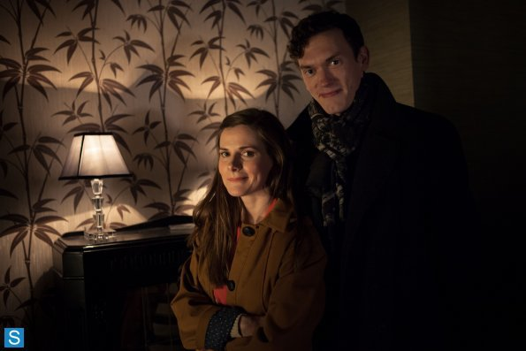 Sherlock - Episode 3.01 - The Empty Hearse - Full Set of Promotional Photos (21)_595_slogo.jpg