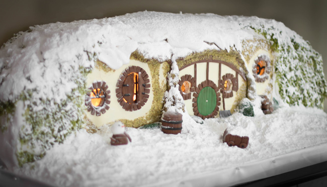 SprinkleBakes Gingerbread Hobbit Hole21..jpg