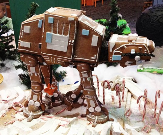 gingerbread-at-at-star-wars-537x445.jpg