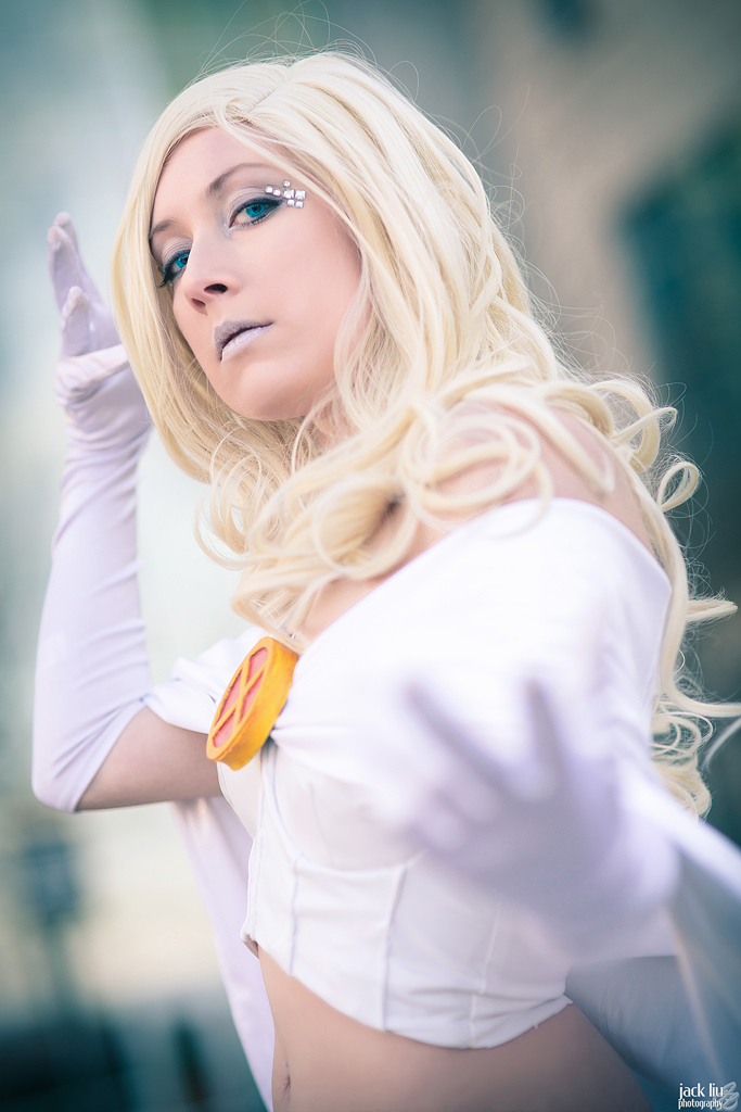 Kudrel-Cosplayis White Queen |Photo by alucardleashed