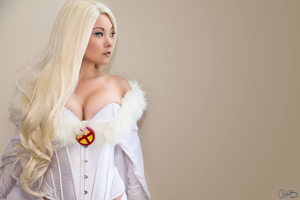 Ani-Miais White Queen | Photo byAshBphotos