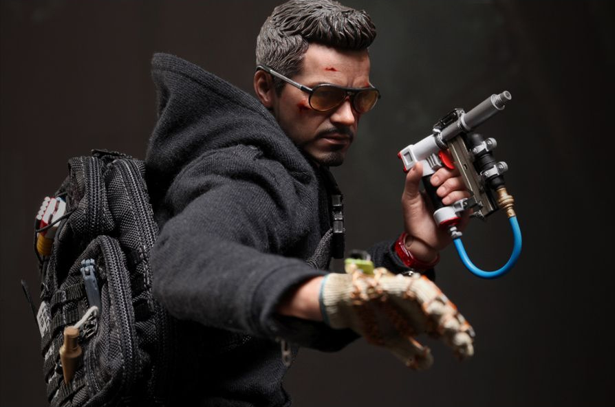 guy-makes-iron-man-3-stun-glove.jpg