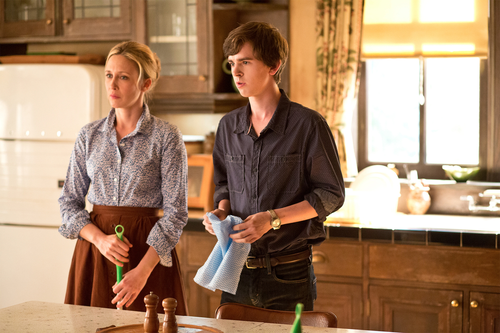 bates-motel-season-2-two-more-teaser-trailers.jpg