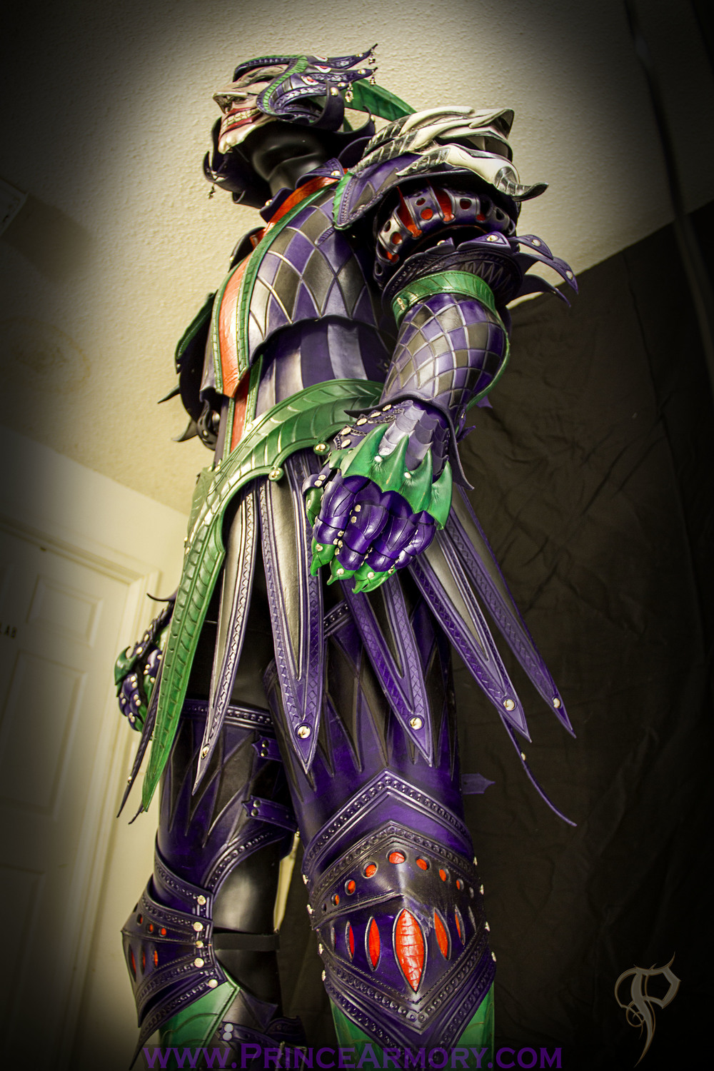 leather_medieval_joker_armor_preview_by_azmal-d72m8b0.jpg
