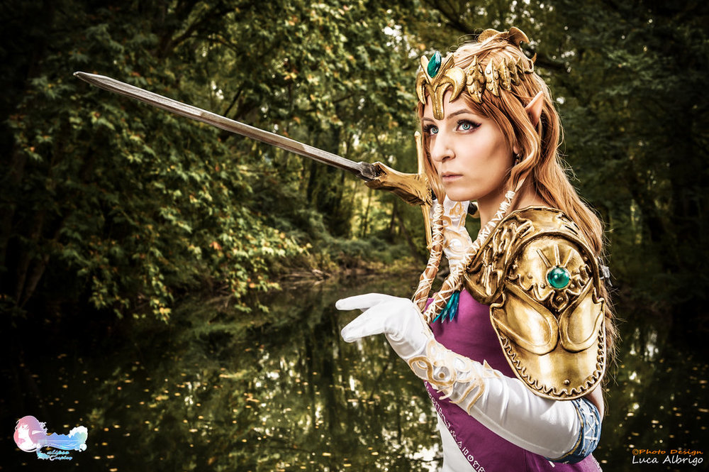 Calipso Cosplay is Zelda | Photo by: Photodesignla Tailoring by: Elsa Cosplay