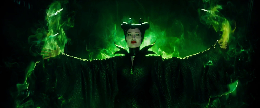 captivating-trailer-for-disneys-maleficent-dream-01.jpg