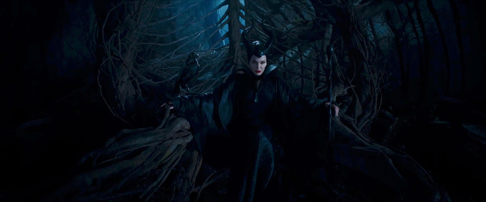 captivating-trailer-for-disneys-maleficent-dream-02.jpg