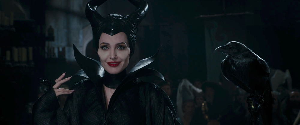 captivating-trailer-for-disneys-maleficent-dream-05.jpg