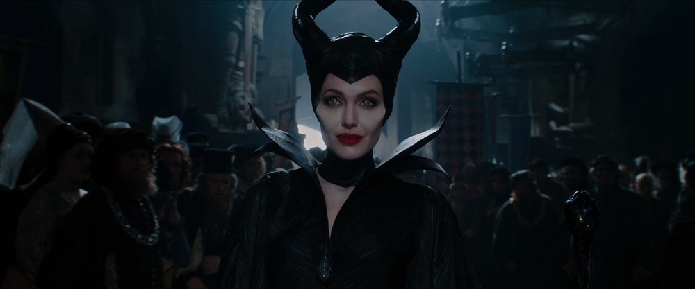 captivating-trailer-for-disneys-maleficent-dream-07.jpg