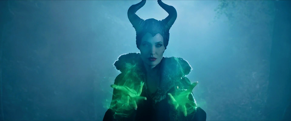 captivating-trailer-for-disneys-maleficent-dream-08.jpg