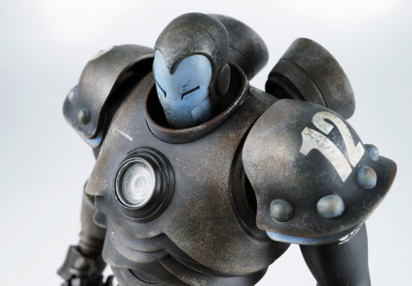 ThreeAToys-Iron-Man-by-Ashley-Wood-3.jpg