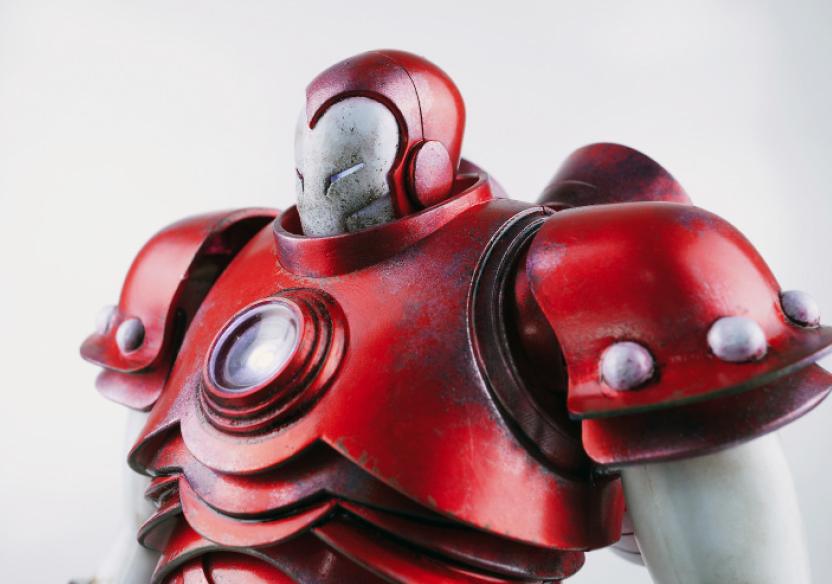 ThreeAToys-Iron-Man-by-Ashley-Wood-2.jpg