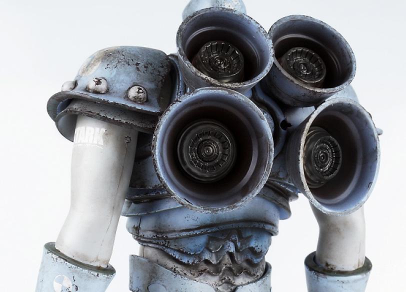 ThreeAToys-Iron-Man-by-Ashley-Wood-7.jpg
