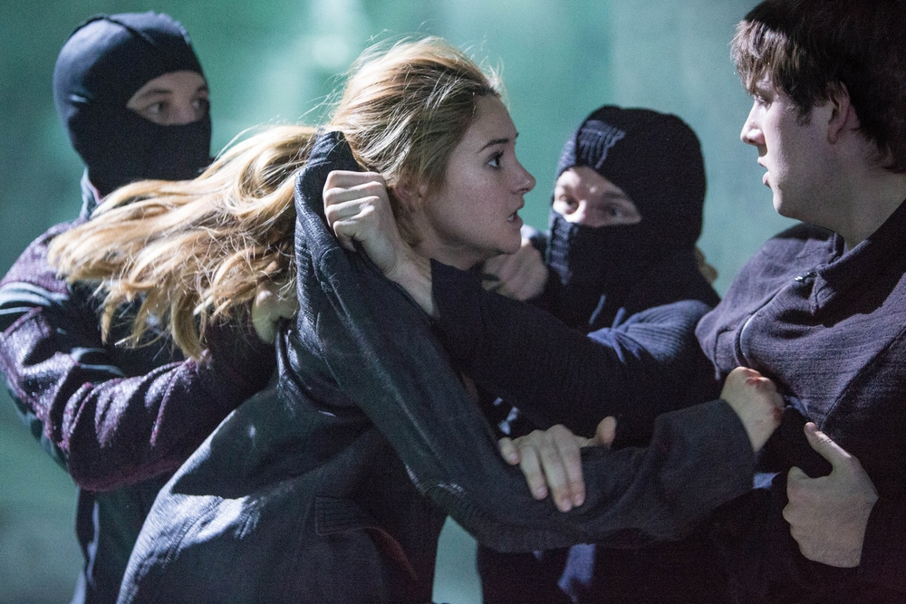 Divergent-Movie-Stills-BTS-Photo-HQ-Untagged-divergent-34842241-2774-1850.jpg