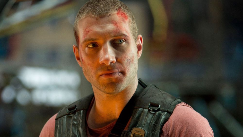 astounding-jai-courtney-die-hard-background.jpg
