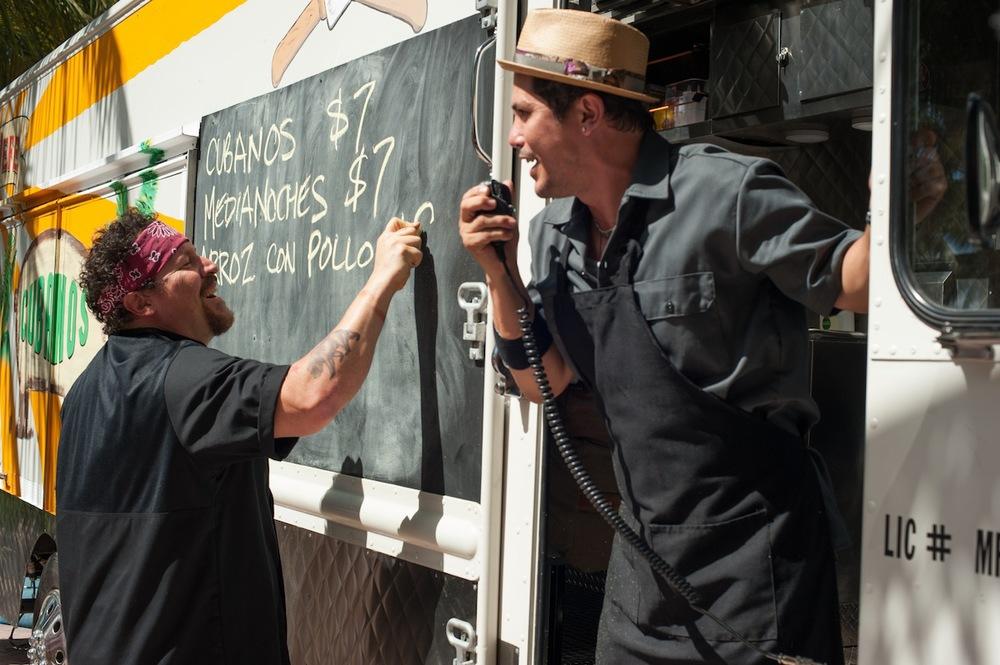 chef-jon-favreau-emjay-anthony-aaron-franklin-john-leguizamo.jpg