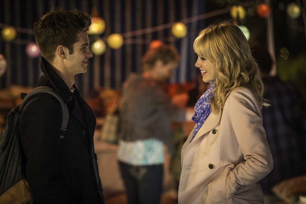 the-amazing-spider-man-2-featurette-gwen-and-peter.jpg