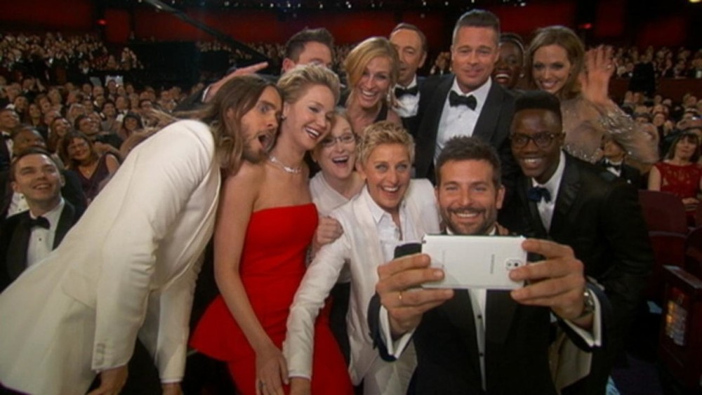 oscars-selfie-gets-a-simpsons-parody-and-more.jpg
