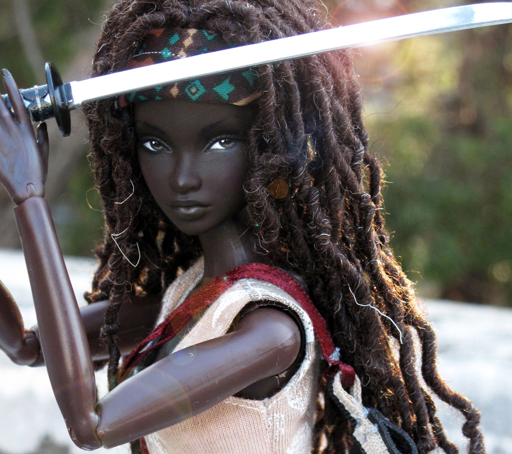 custom-made-the-walking-dead-michonne-barbie1