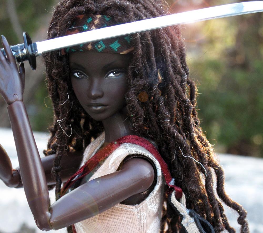 custom-made-the-walking-dead-michonne-barbie1