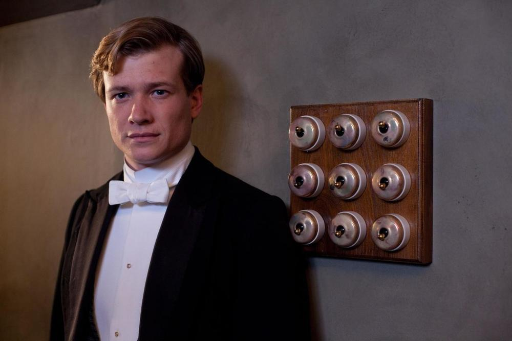 picture-of-ed-speleers-in-downton-abbey-large-picture-1719037823.jpg