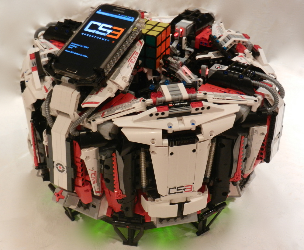 lego-robot-smashes-rubicks-cube-speed-record