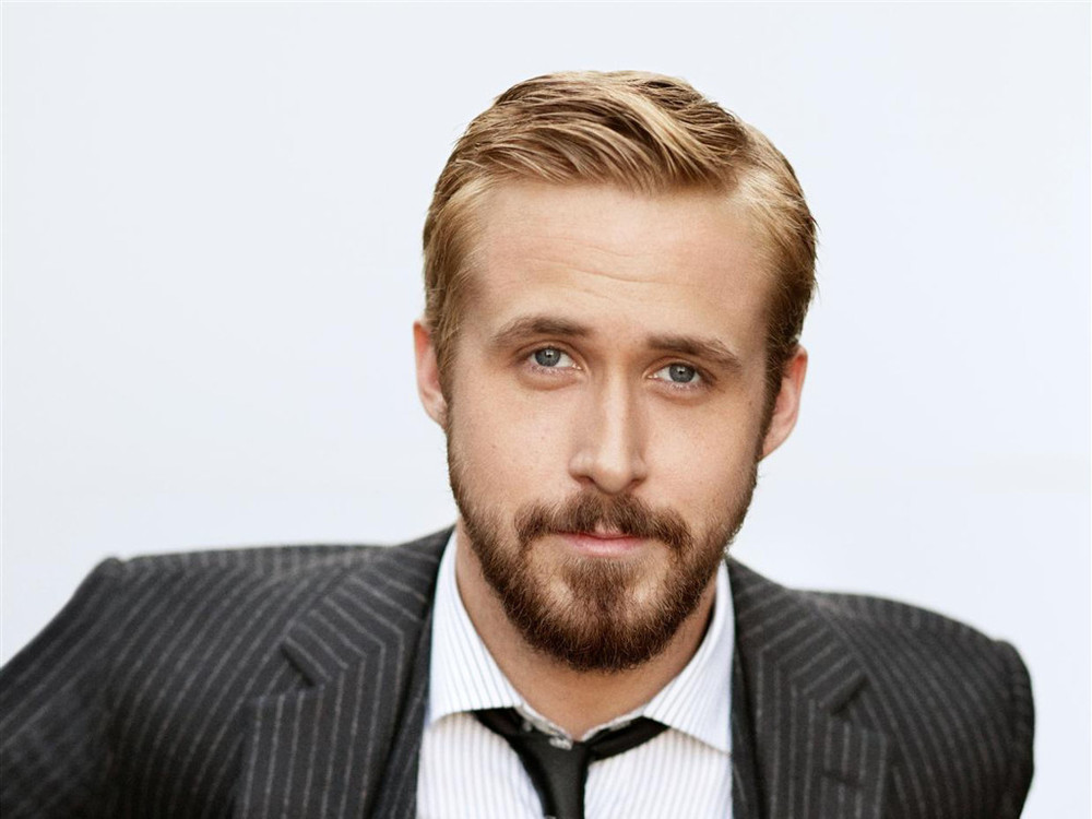 ryan-gosling-jumping-on-board-busby-berkeley-biopic