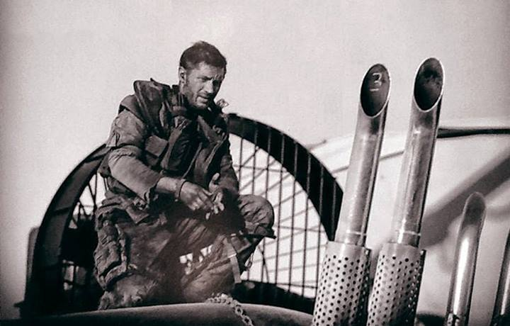 mad-max-fury-road-new-photo-of-tom-hardy