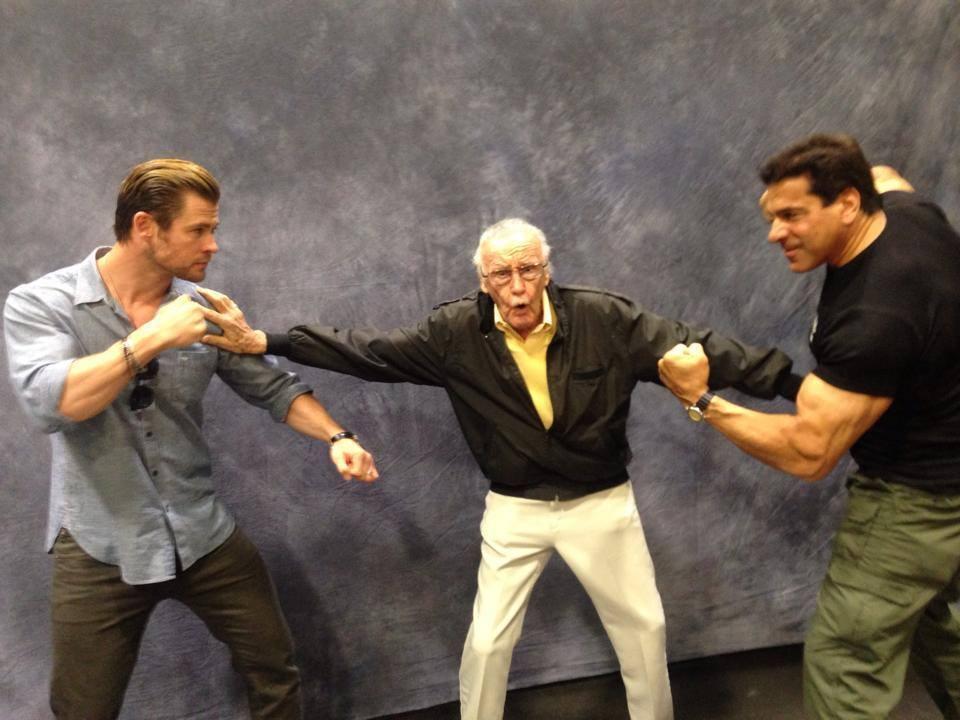 stan-lee-breaks-up-of-hulk-vs-thor-fight.jpeg
