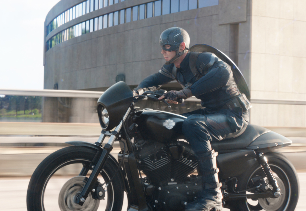 two-action-packed-clips-from-captain-america-2