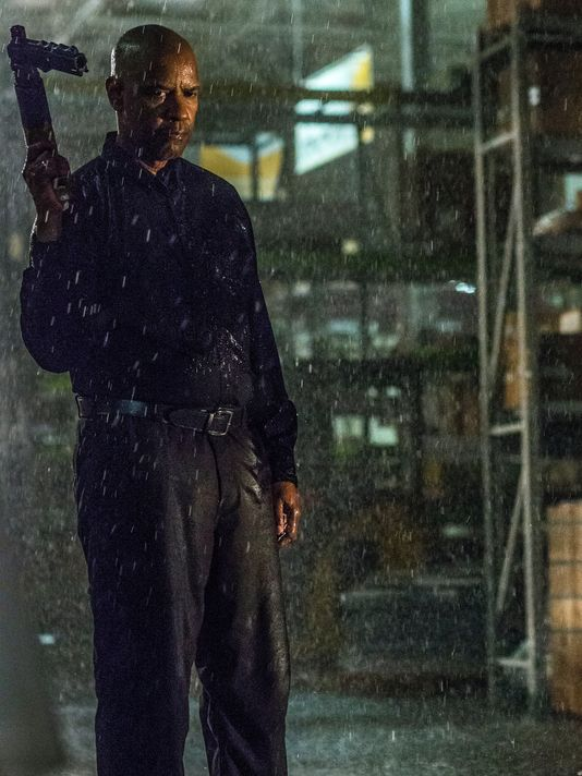 first-look-at-chloe-moretz-and-denzel-washington-in-the-equalizer1