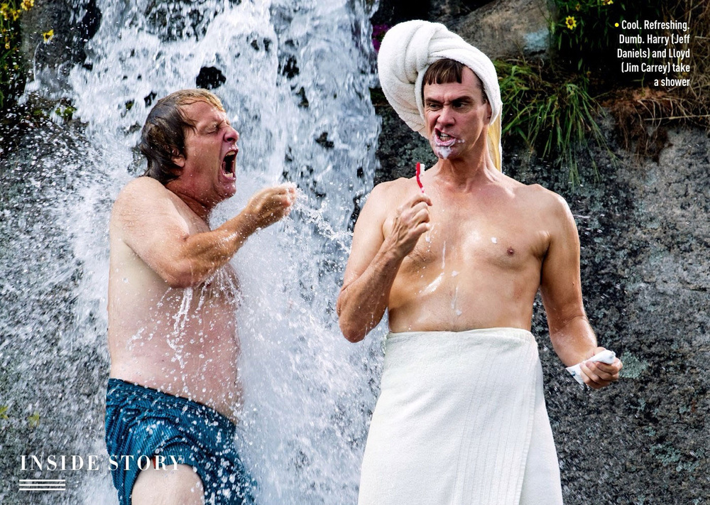 dumb-and-dumber-to-photo-harry-and-lloyd-take-a-shower