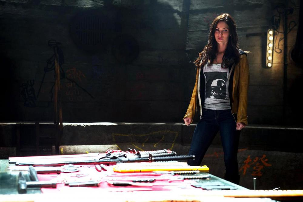new-pics-of-megan-fox-as-april-oneil-in-teenage-mutant-ninja-turtles