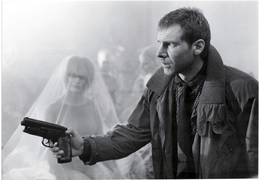 Harrison-Ford-as-Deckard-in-Bladerunner-blade-runner-8242635-1692-1179.jpg