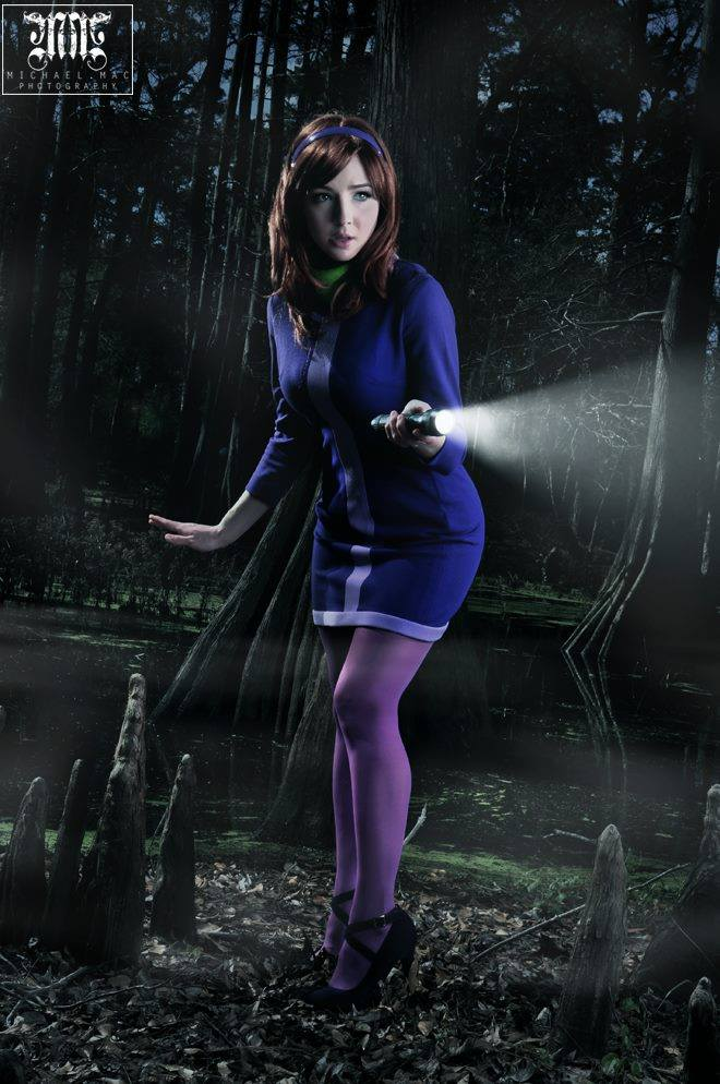Daphne Cosplay By Tracy Collins  Geektyrant-8773