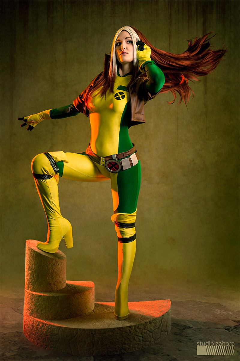 Justyna Jakubik  is Rogue — Costume by  Sandra Longa  — Photo by  Studio Zahora