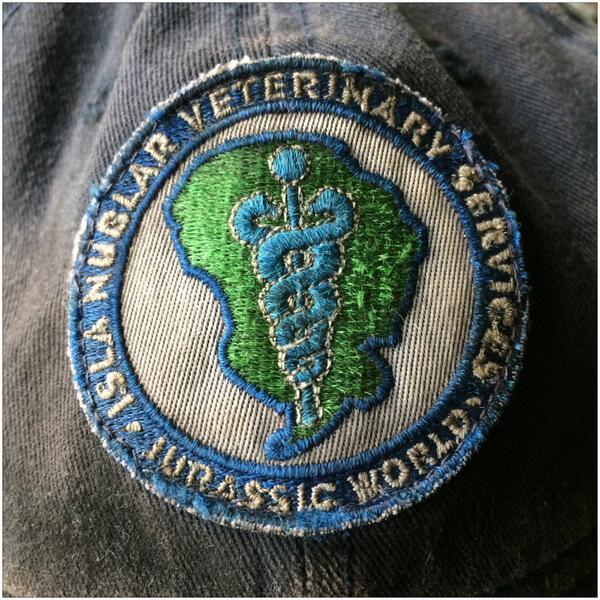 jurassic-world-dino-doctor-patch-photo