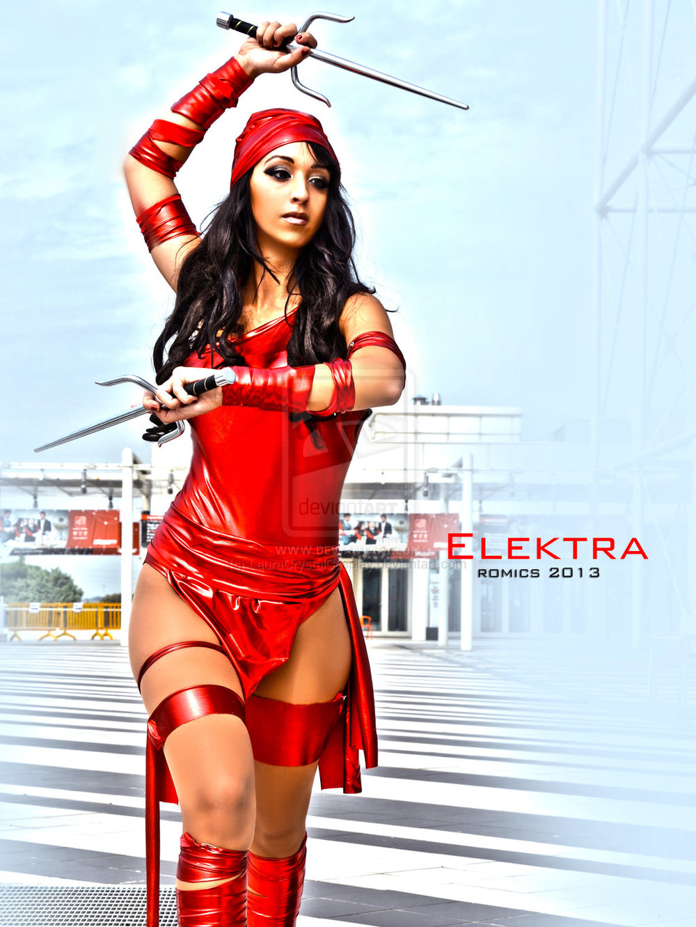 Laura Crystal Cosplay  is Elektra | Photo by:  Photostudiolight