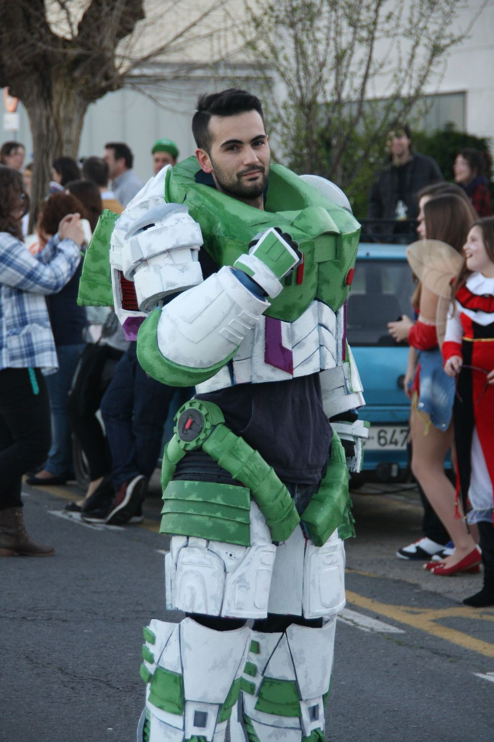buzz-lightyear-space-marine-cosplay-mashup