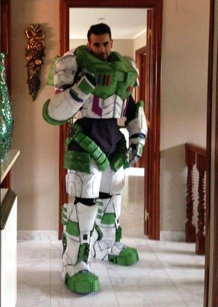 buzz-lightyear-space-marine-cosplay-mashup1
