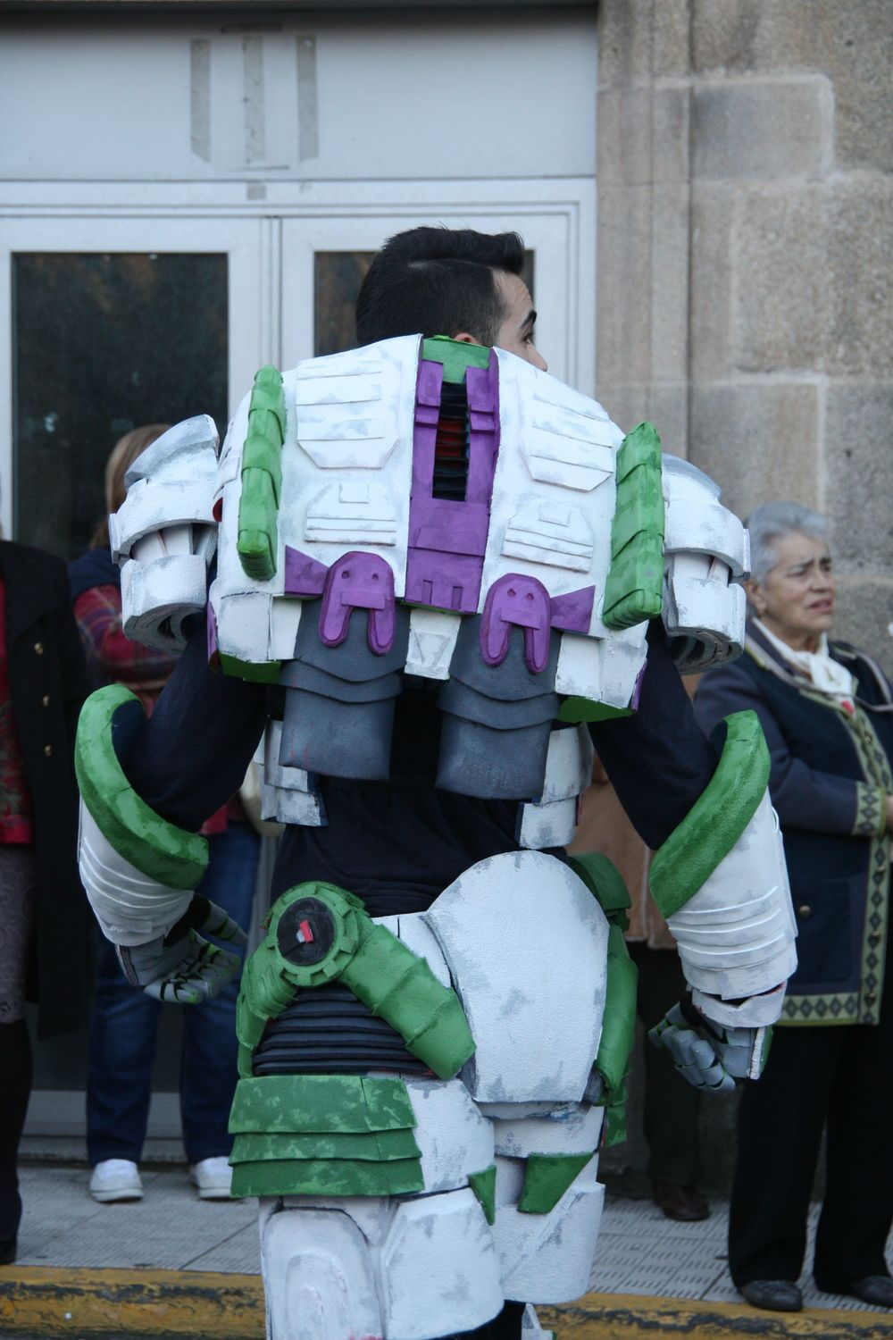 buzz-lightyear-space-marine-cosplay-mashup3