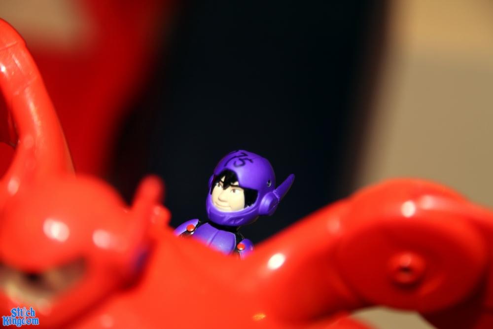 first-look-at-big-hero-6-baymax-toys-from-bandai1